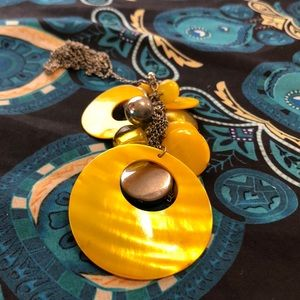 Jewelry - Yellow necklace on long chain
